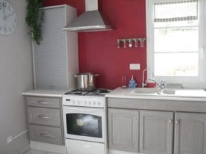 Pintura para muebles de cocina en gris ratón.  Tiradores y pomos para muebles y cajones Leroy Merlin