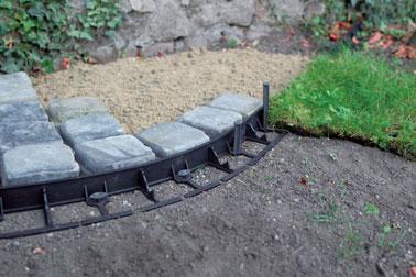 ¡Ideal para delimitar espacios de forma invisible, este cenefa enterrado te hará feliz en el jardín para embellecer el diseño y la decoración!
