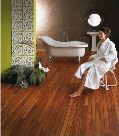 Polvo de madera exótica de parquet macizo para baños y cuartos húmedos.  Los sellos de barco aseguran una resistencia perfecta y una sujeción en el baño.