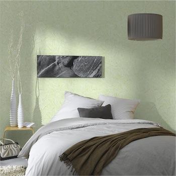 Papel pintado de vinilo verde en el dormitorio de ambiente zen.