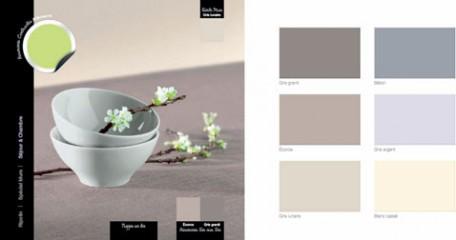 para decorar un comedor con ambiente zen, pintura de pared blanquecina satinada, mantel de lino
