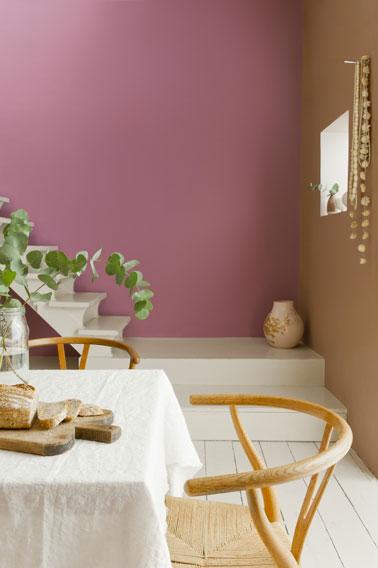 Colores de comedor para un ambiente refinado y femenino.  Color de pared Boudoir rosa y macarrón de café de Dulux Valentine