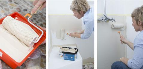 Aplicar una primera capa de pintura en las paredes de la ducha y el baño en la parte inferior de la pared.