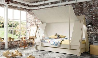 Dormir en una cama de cabina en forma de tienda de campaña en mi habitación, ¡puedo esconderme detrás de la lona en el techo!