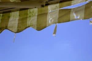 ¿Cuándo y cómo cambiar la tela de su toldo?