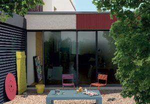 La pintura exterior multimaterial de V33 se puede utilizar para pintar contraventanas de madera, puertas de garaje metálicas, ventanas de PVC con una carta de colores de 26 colores que armonizan para embellecer nuestros exteriores.