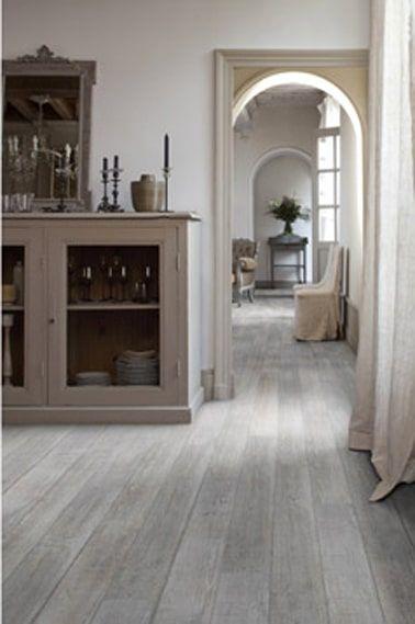 Pavimento de PVC en imitación de parquet gris.  Ancho de las lamas: 15 cm Gerflor en Leroy Merlin