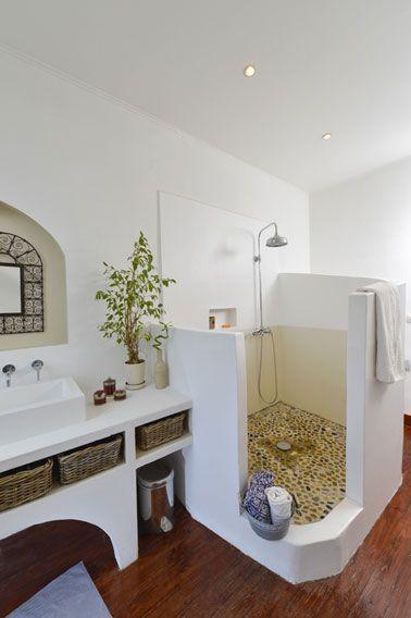 Pintura para pintar ducha y baño sin alicatar.  Hydroactiv de V33 una pintura impermeable para elementos acuáticos