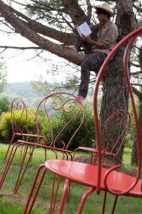 repintar muebles de jardín de hierro y oxidado con pintura de hierro aplicación directa color rojo chile V33