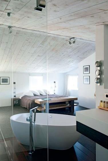 ¿Por qué no crear una hermosa suite para padres con un espacio de baño en el ático?  ¡Una buena idea aprovechar todos los metros cuadrados de la casa!