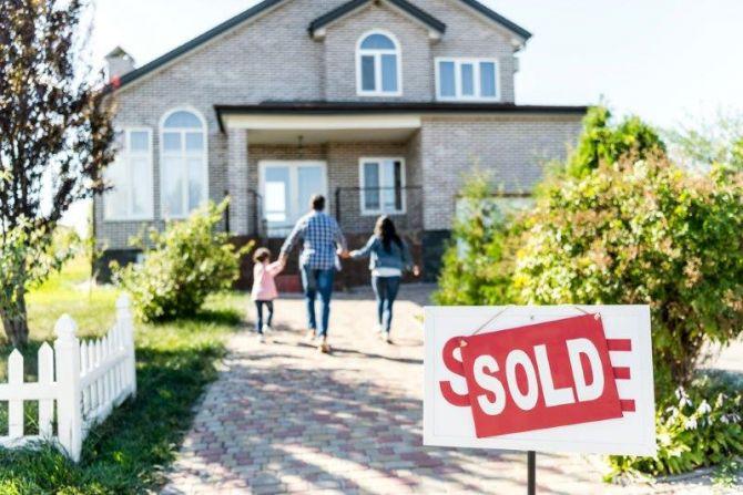 Casa vendida familia
