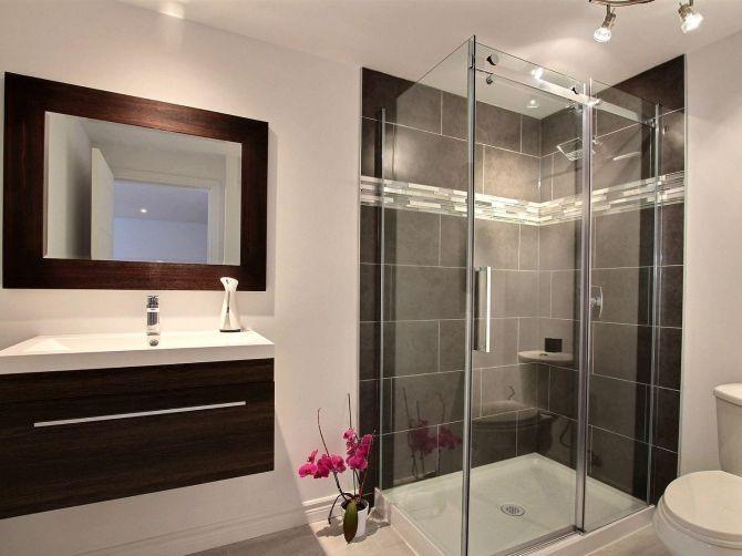 baño de espejo de madera