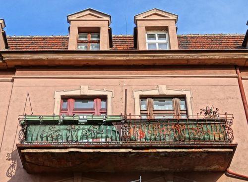 Balcón de metal