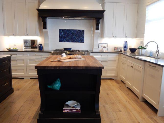 Isla de cocina_RenoQuotes.com_ piloto de cocina
