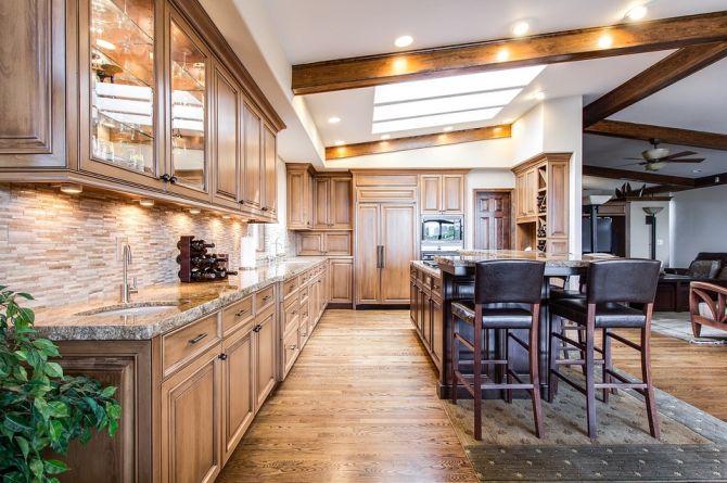 Piso de madera en una cocina