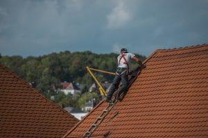 Elegir el mejor profesional para reparar su tejado