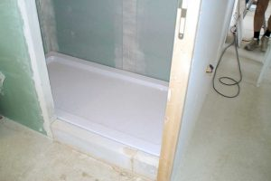¿Cómo instalar un plato de ducha?
