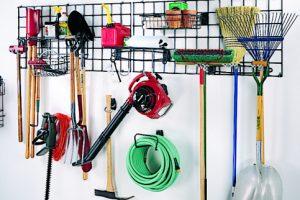 Cómo instalar estanterías en su garaje