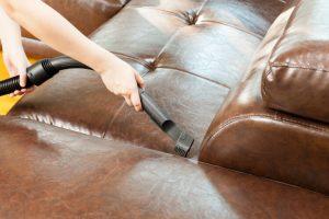 Mantener adecuadamente un sofá de cuero (limpieza y mantenimiento)