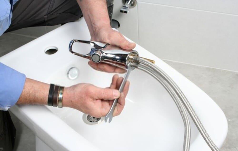 Como cambiar el grifo del bidet