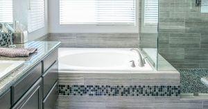 Cómo limpiar profundamente una bañera